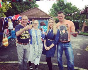 Tummy Family - Street party